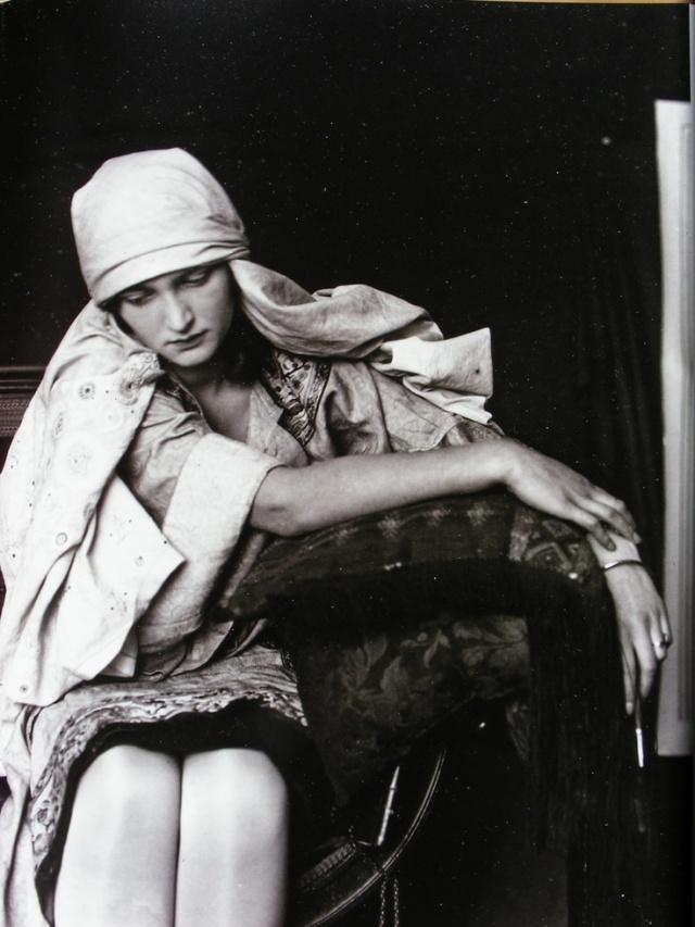 Alphonse Mucha, Studio photography.