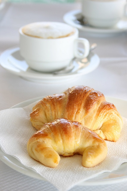cafe y croissant