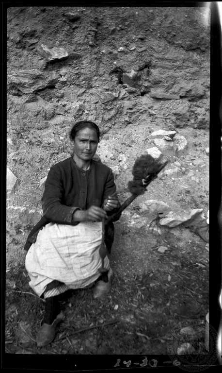 Delphi. Woman spinning 1924  Dorothy Burr Thompson