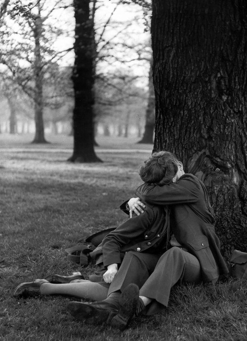 Hyde Park, London, 1944 - ph. by Ralph Morse