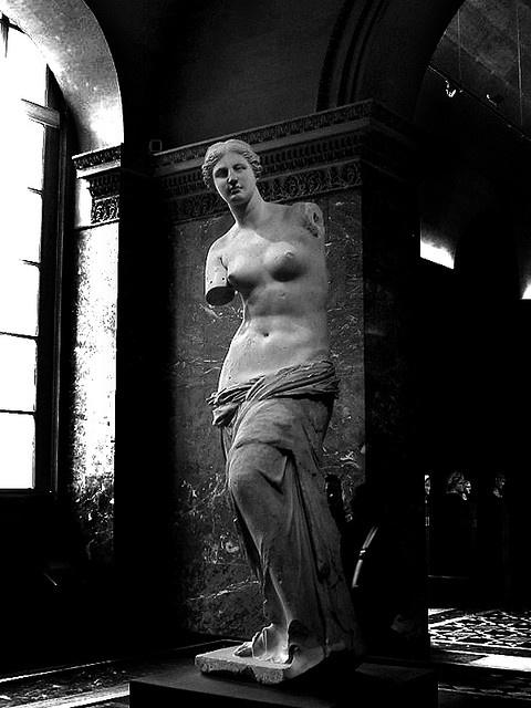 Louvre.... Milo's Venus photographed by Flavio Rucci