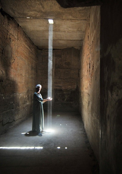 by Guillaume Roche, photo taken inside one of Karnak temples, in Egypt
