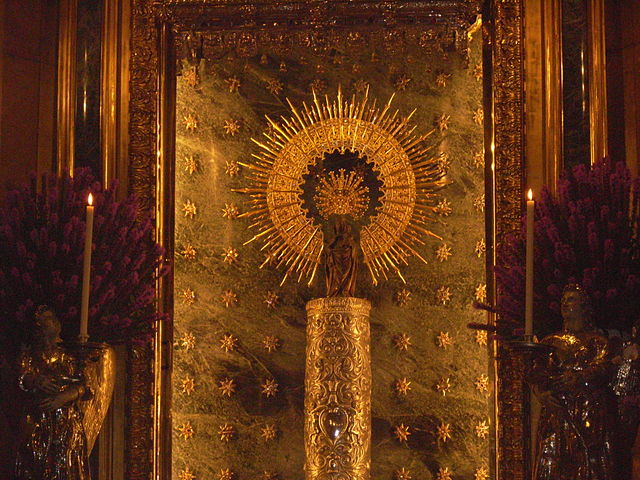 640px-Virgen_del_Pilar_sin_manto