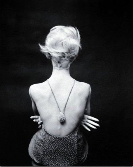 Ina-Balke-wearing-Nina-Ricci-1961-photo-by-Norman-Parkinson-e1337945164619