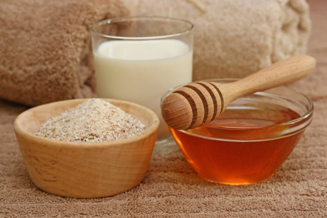 bigstockphoto_Oatmeal_Milk_And_Honey_Spa_3519694
