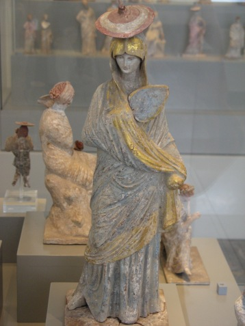 Altes_Museum-Tanagra-lady_with_fan
