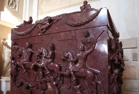 0_Sarcofago_di_Helena_-_Museo_Pio-Clementino_-_Vatican_(2a)
