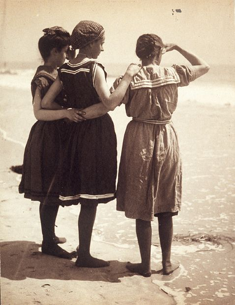 Women bathers, 1910 Photo by Jeanette Bernard