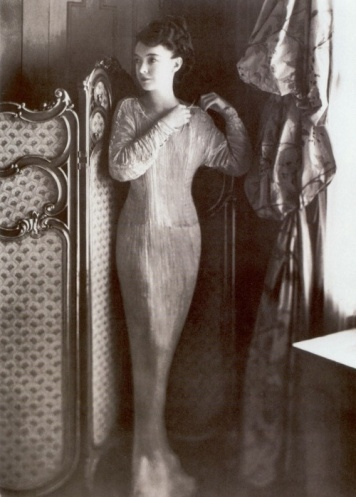"Lillian Gish in a Fortuny ""Delphos"" gown, 1920."