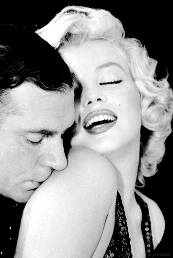 Laurence Olivier and Marilyn Monroe - Photo by Richard Avedon
