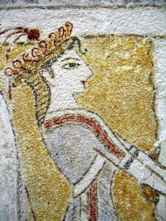 minoan_priestess_at_the_altar_fresco_Heraklion_crete