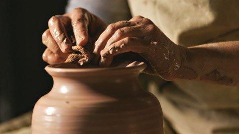 Land-Pg-The-Potter-and-the-Clay-2010-12-28