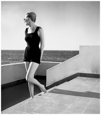 model-elizabeth-gibbons-in-cuba-louise-dahl-wolfe-archive-1941-b