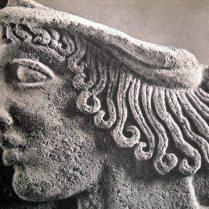 Antefissa in terracotta con testa di efebo in 'stile severo' siracusa