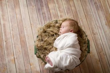 modern-Newborn-Photography-Pensacola_-8(pp_w900_h599)