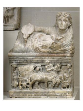urne-cineraire-etrusque-cuve-voyage-de-la-defunte-en-carpentum-char-gaulois-vers-l-au-dela