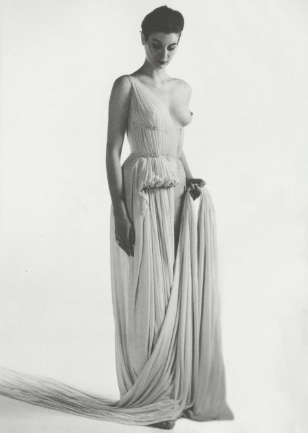 madame-gres-dress-photographed-by-willy-maywald-1939