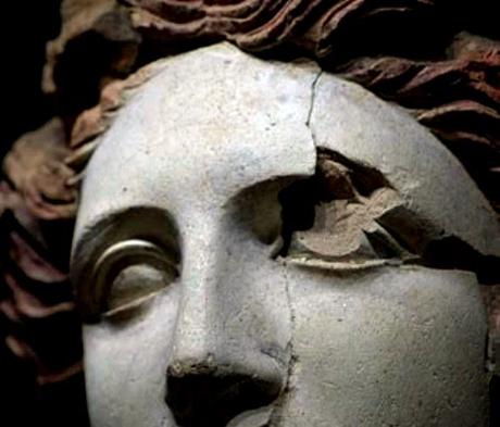 figura-femminile-museo-nazionale-archeologico-di-taranto